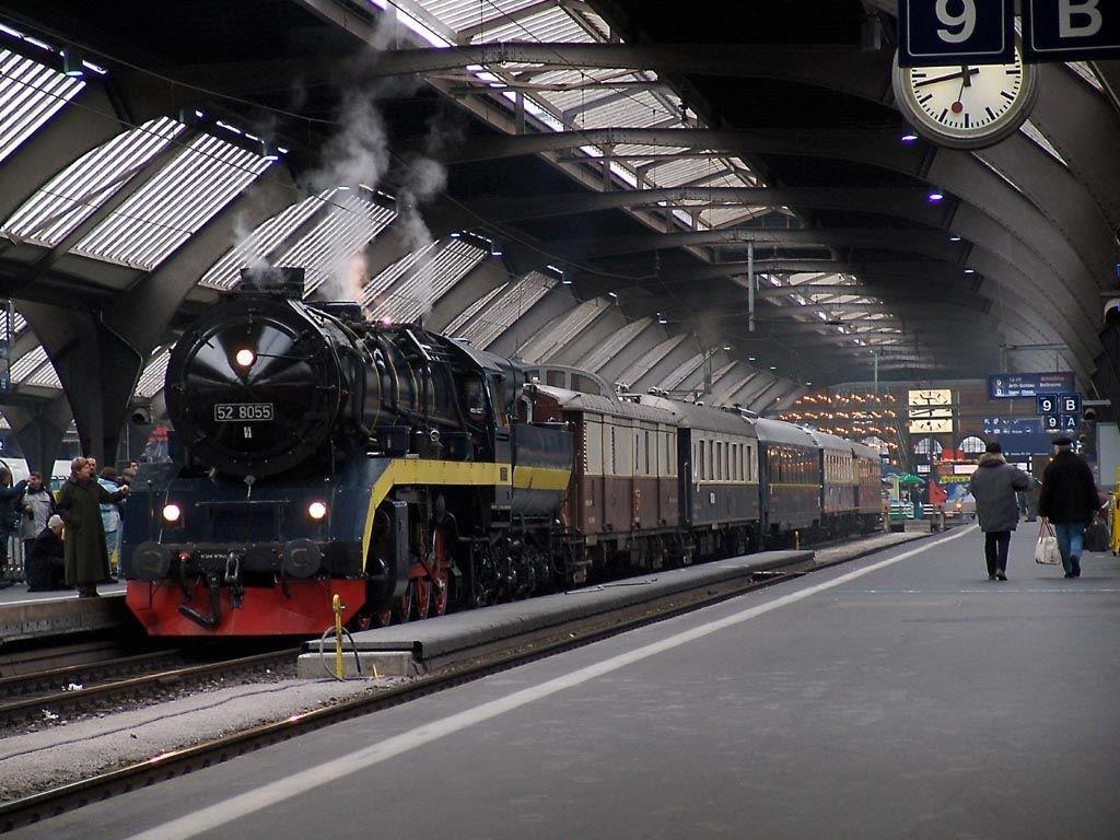 Die 52 8055 abfahrbereit im Hauptbahnhof Zürich.