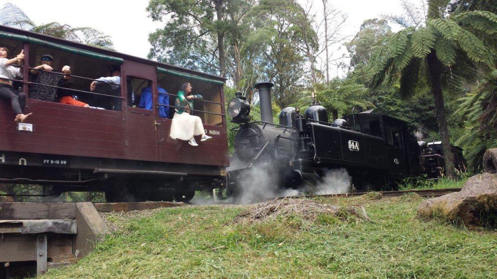Die leichtölgefeuerte NA-class Lokomotive 14 A. Foto Roger Waller