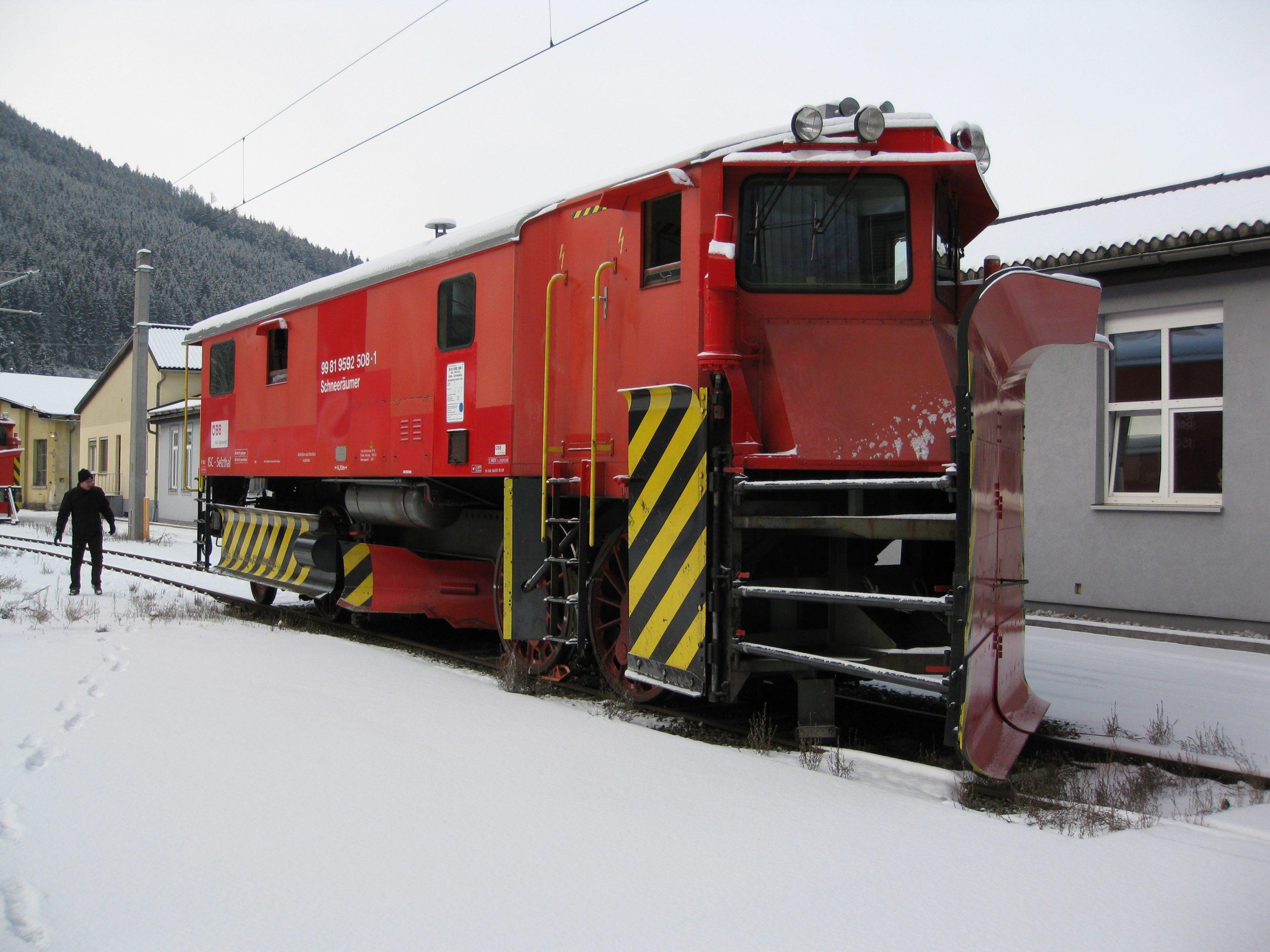 IMG_2871_ÖBB_Klimaschneepflug_Nicht modernisierter Schneeräumer 99819592508-1_2009-12-21 im Depot Selzthal_Foto Roger Waller
