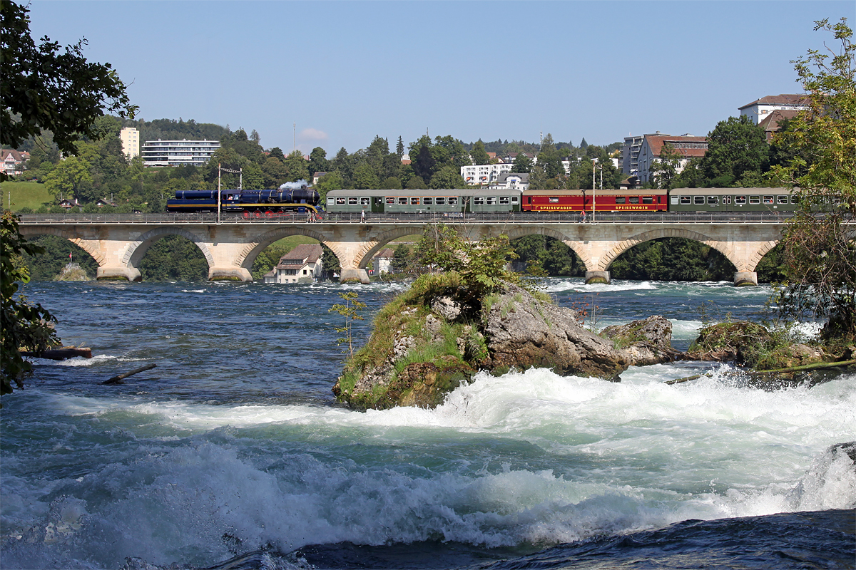 52 8055 DLM_2021-09-04_IMG_9254c_Neuhausen_Rheinbrücke_Foto Richard Behrbohm